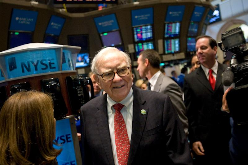 Warren Buffett, Chairman and CEO of Berkshire Hathaway Inc., visits the trading floor of the New York Stock Exchange (NYSE) in New York, USA, Friday September 30, 2011 (Scott Eells / Bloomberg via Getty Images)