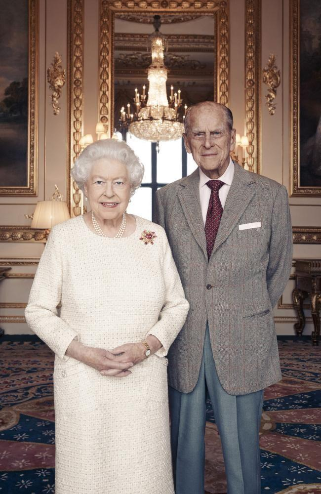 The Queen dons an elegant cream dress is the picture, that was taken at Windsor Castle, the royal estate outside of London. Photo: Buckingham Palace