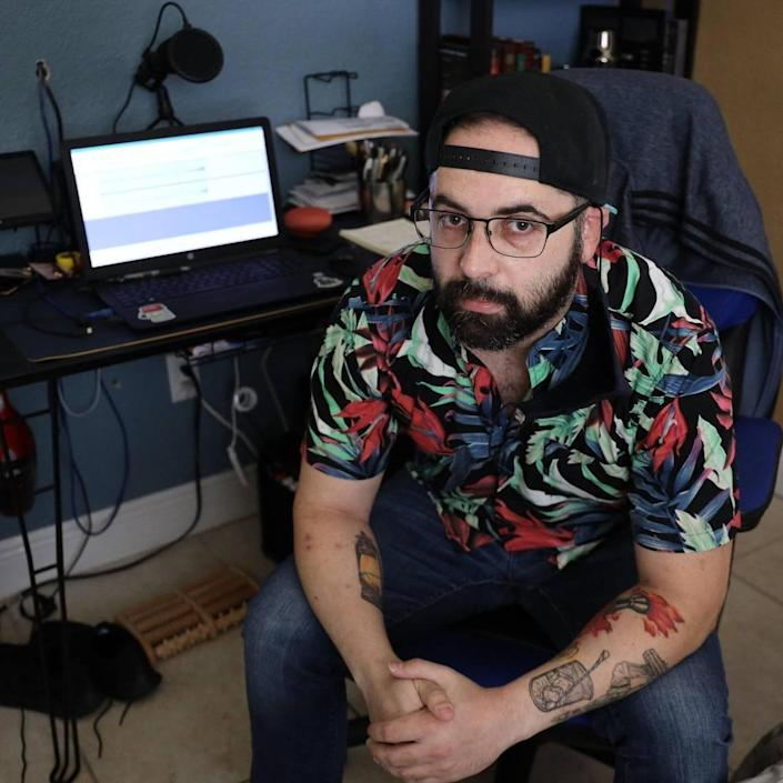 Alejandro Carro, a laid-off bartender, has moved back in with his parents and plans to start a podcast on bartending. He set up a podcasting mic, lights, and laptop in his bedroom hoping to create a revenue stream while many hospitality workers struggle to make a living.