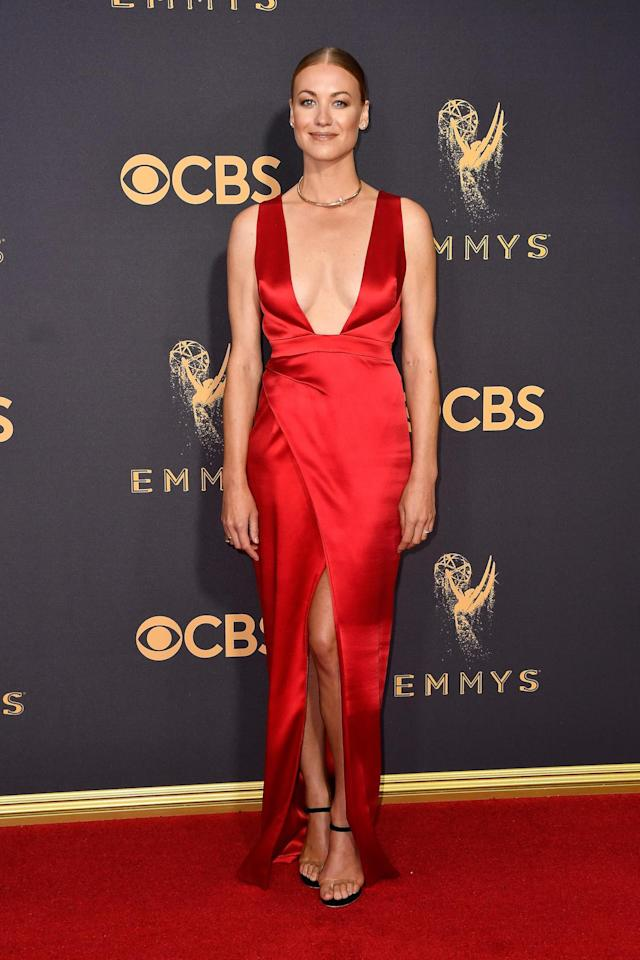 <p>Yvonne Strahovski attends the 69th Primetime Emmy Awards on Sept. 17, 2017.<br> (Photo: Getty Images) </p>