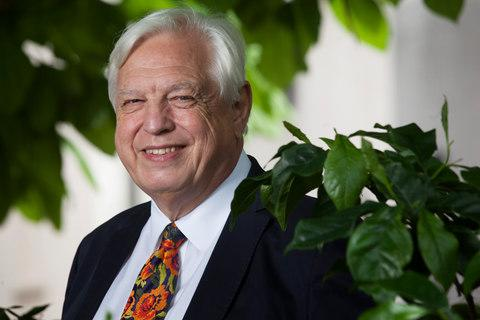 Veteran journalist and broadcaster John Simpson will lead the trip - Credit: Rii Schroer/Rii Schroer