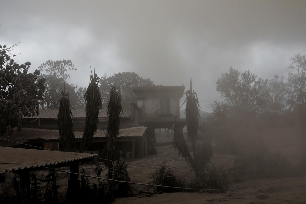 <p>A house covered with ash is seen after the eruption of the Fuego volcano in San Miguel Los Lotes in Escuintla, Guatemala, June 6, 2018. (Photo: Carlos Jasso/Reuters) </p>
