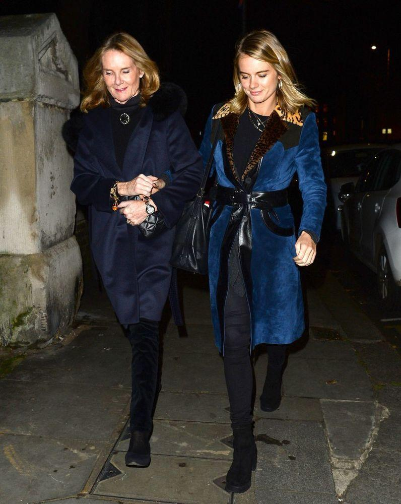 Cressida Bonas (left) and her mother Mary-Gaye Curzon
