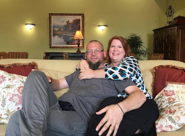 """<span class=""""caption"""">David and Elizabeth Weinlick, a Minnesota couple who began their life together through an arranged marriage </span> <span class=""""attribution""""><a class=""""link rapid-noclick-resp"""" href=""""http://www.apimages.com/metadata/Index/Arranged-Wedding-Renewing-Vows/c700db29a86948808707a64f7ff11777/21/0"""" rel=""""nofollow noopener"""" target=""""_blank"""" data-ylk=""""slk:AP Photo/Kyle Potter"""">AP Photo/Kyle Potter</a></span>"""