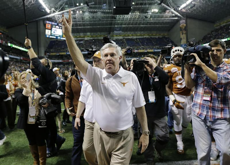 No. 10 Oregon crushes Texas in Mack Brown's finale