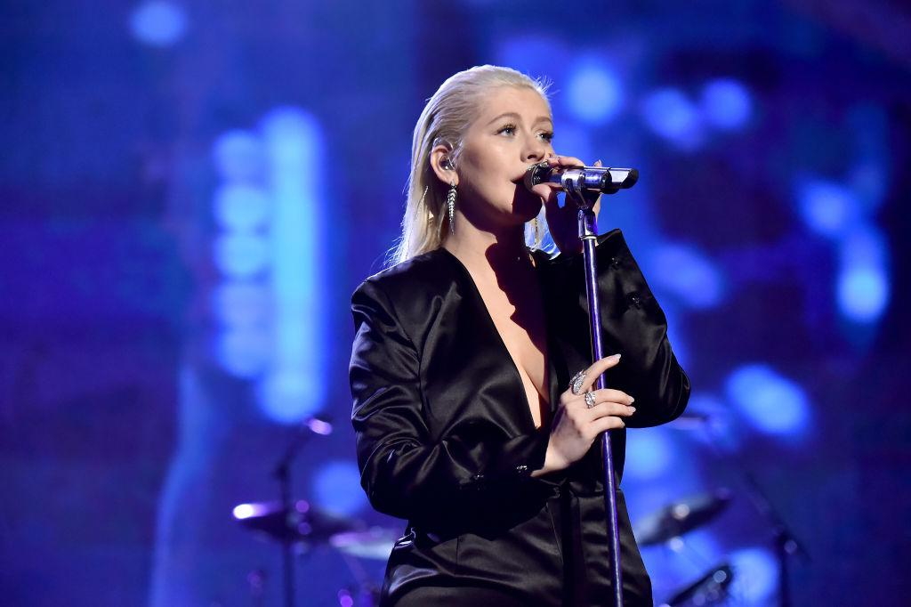 "<p><strong>When: Nov. 19, 2017</strong><br />""Christina Aguilera performance though, and don't even get me started on her makeup so simple yet so beautiful,"" <a rel=""nofollow"" href=""https://twitter.com/dtweets94/status/932431530860957696"">tweeted</a> one fan. ""Christina Aguilera is so beautiful and even more beautiful without all the makeup,' another <a rel=""nofollow"" href=""https://twitter.com/KellyC819/status/932430024841617408"">tweeted</a>. <em>(Photo: Getty)</em> </p>"