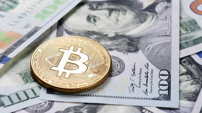 bitcoin and US fiat currency