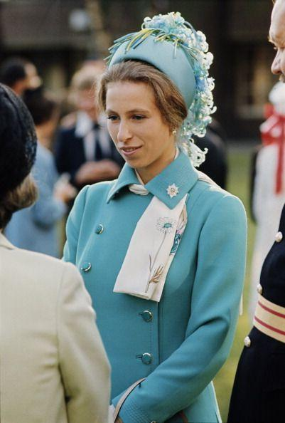 <p>This duck egg blue outfit got an extra boost from floral accents at a parade in Berlin in 1973.</p>