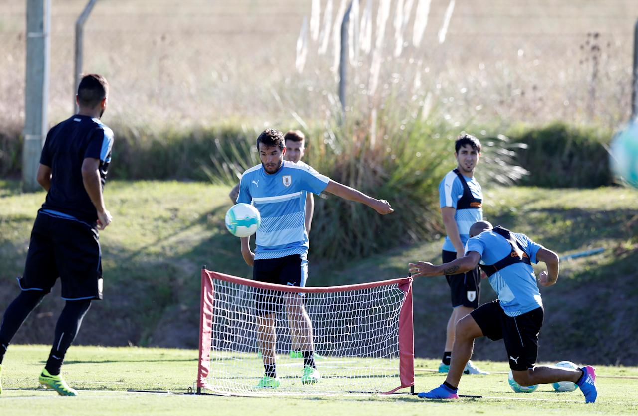 Football Soccer - Uruguay's national soccer team training - World Cup 2018 Qualifiers - Montevideo, Uruguay - 20/3/17 - Uruguay's players attend a training session. REUTERS/Andres Stapff