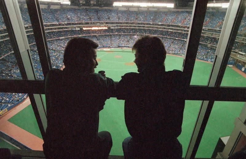 Travel between United States, Canada complicating MLB Toronto approval