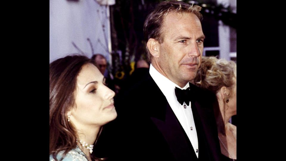 12 of the Most Expensive Celebrity Divorces to Rock Hollywood, 1999, Kevin Costner and wife Cindy at the Academy Awards, March