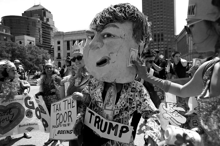 <p>Code Pink members mock Donald Trump in Cleveland. (Photo: Khue Bui for Yahoo News)</p>