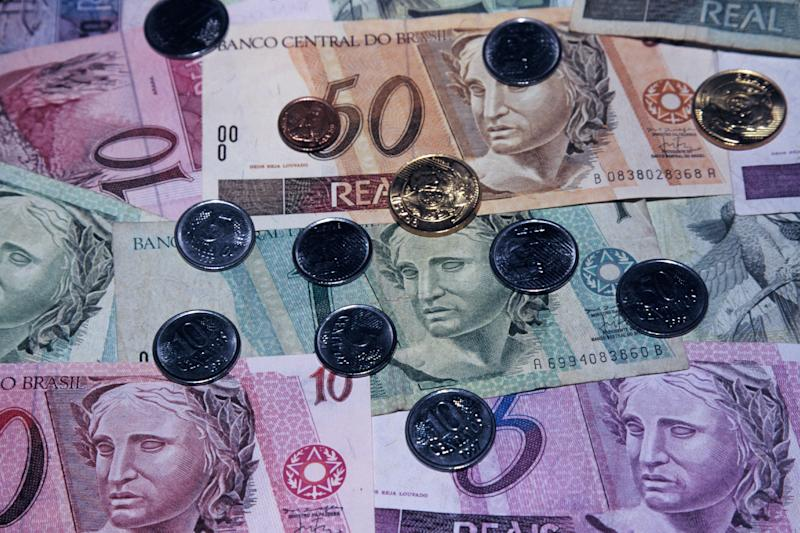 Brazilian currency, coins and bills.  (P