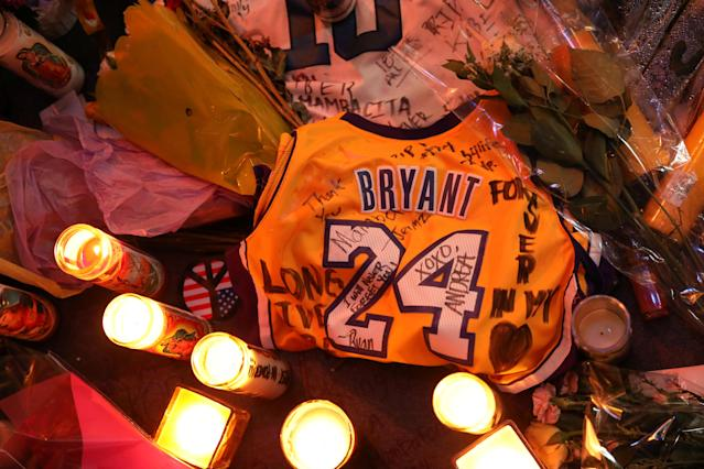 Authorities have released the 911 calls that were made immediately after the helicopter crash that killed Kobe and Gianna Bryant. (REUTERS/Patrick T. Fallon)