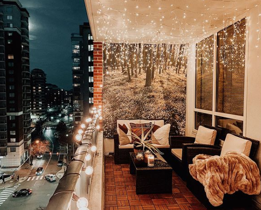 """<p>Living in the city has its perks, but if you're a nature lover, you might feel like something's missing. Here's one way to get back to your green roots without actually uprooting yourself. Plus, how dreamy are these icicle lights?</p><p><strong>See more at <a href=""""https://www.instagram.com/p/B7HfSc0nm-M/"""" rel=""""nofollow noopener"""" target=""""_blank"""" data-ylk=""""slk:thedcnative"""" class=""""link rapid-noclick-resp"""">thedcnative</a>.</strong></p><p><a class=""""link rapid-noclick-resp"""" href=""""https://www.amazon.com/Kringle-Traditions-Clear-Icicle-Lights/dp/B004AU7RQQ?tag=syn-yahoo-20&ascsubtag=%5Bartid%7C10050.g.31137877%5Bsrc%7Cyahoo-us"""" rel=""""nofollow noopener"""" target=""""_blank"""" data-ylk=""""slk:SHOP ICICLE LIGHTS""""><strong>SHOP ICICLE LIGHTS</strong></a></p>"""