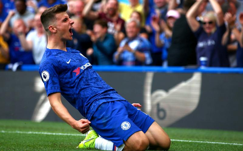 Mason Mount opens the scoring at Stamford Bridge and puts Chelsea 1-0 up over Leicester - Getty Images Europe