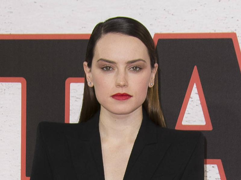 Daisy Ridley struggles to ditch 'scruffy' clothes for glamorous dresses