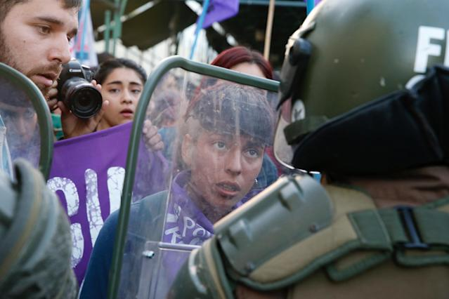 <p>Members of feminist organizations rally against gender violence on the International Day for the Elimination of Violence Against Women, in Valparaiso, Chile, Nov. 24, 2017. (Photo: Rodrigo Garrido/Reuters) </p>