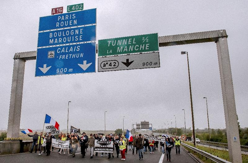 Calais to Build Anti-Immigrants Wall