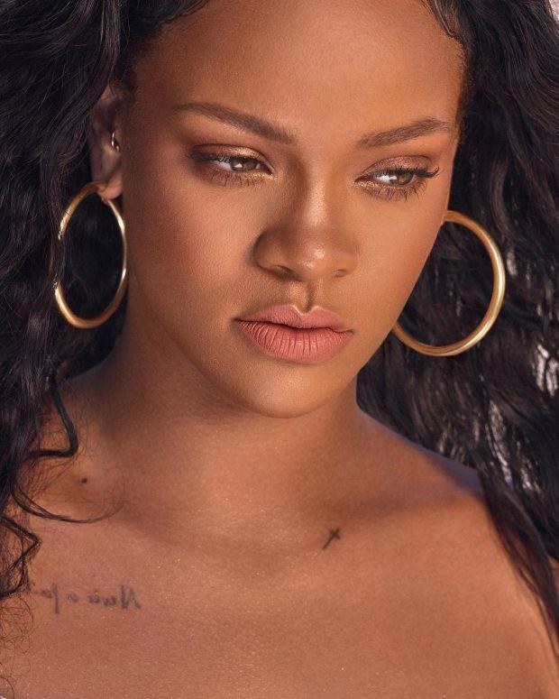 Rihanna Shares Fenty Beauty Body Lava Highlighters on Instagram