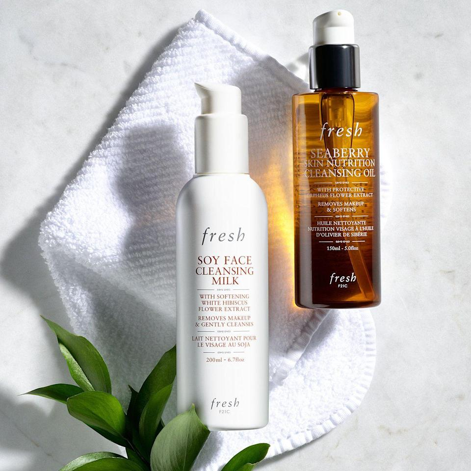"<p><strong>Fresh</strong></p><p>sephora.com</p><p><strong>$43.00</strong></p><p><a href=""https://go.redirectingat.com?id=74968X1596630&url=https%3A%2F%2Fwww.sephora.com%2Fproduct%2Fseaberry-skin-nutrition-cleansing-oil-P405935&sref=https%3A%2F%2Fwww.thepioneerwoman.com%2Fbeauty%2Fskin-makeup-nails%2Fg34418496%2Fbest-facial-cleanser%2F"" rel=""nofollow noopener"" target=""_blank"" data-ylk=""slk:Shop Now"" class=""link rapid-noclick-resp"">Shop Now</a></p><p>If you're a fan of double cleansing, this is a great pick. It will dissolve all of your stubborn water-proof makeup as it softens your skin.</p>"