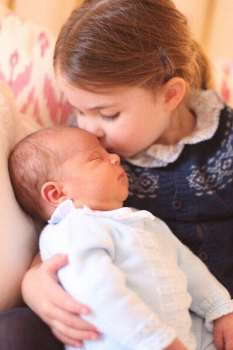<p>Kensington Palace releases a sweet photo of Princess Charlotte kissing the forehead of her new baby brother, Prince Louis, and makes hearts swell everywhere. The photo was taken by The Duchess of Cambridge on Princess Charlotte's third birthday.‬ </p>