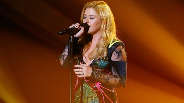 Kelly Clarkson: Award Shows Are 'Painful, Not Fun'