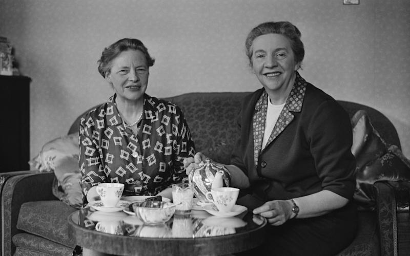 Ida and Mary Louise Cook, who helped Else to survive in Britain - Hulton Archive