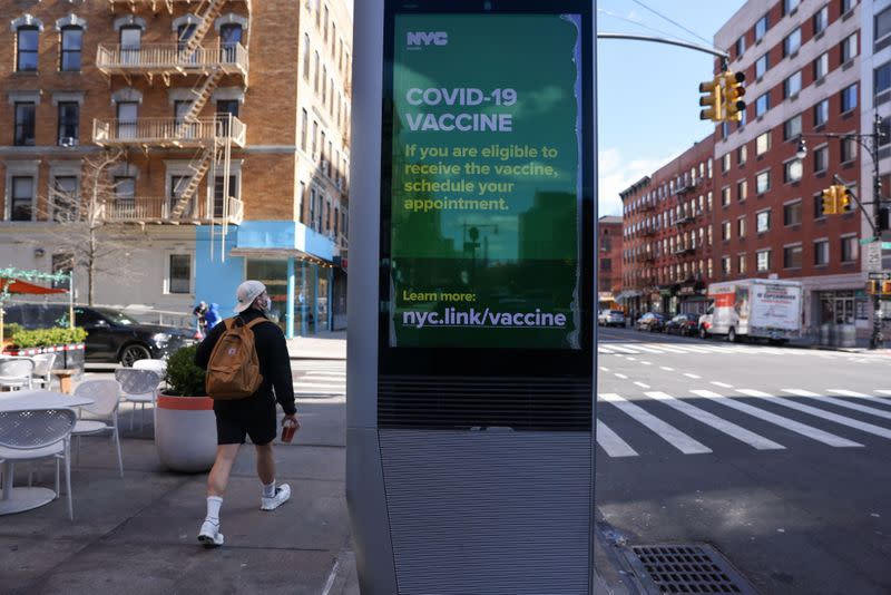 The first members of the Hassebroek family are vaccinated in New York