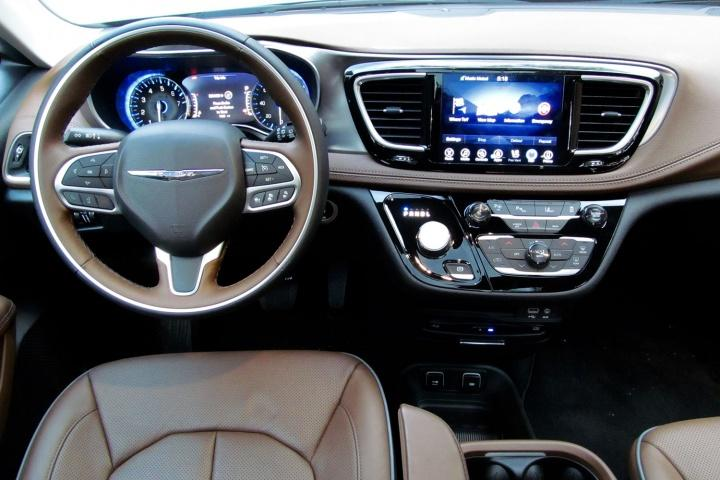 first drive 2017 chrysler pacifica. Black Bedroom Furniture Sets. Home Design Ideas