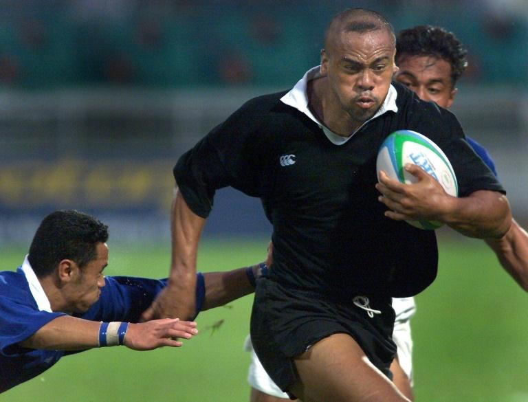 New Zealand star Jonah Lomu's career also began in sevens, and he he is seen here playing the short-form game at the 1998 Commonwealth Games in Kuala Lumpur