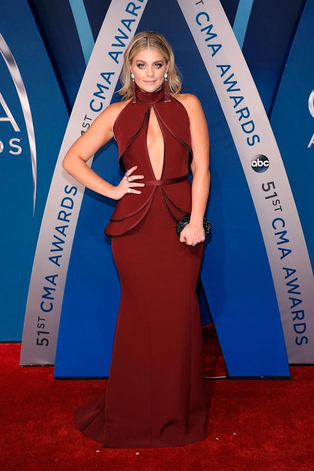The only thing more thrilling than the Donald Trump zingers at the CMA Awards Wednesday night was the jaw-droppingly gorgeous red carpet.