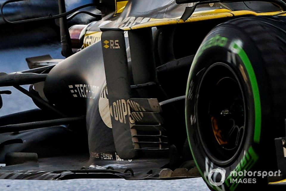 """Renault F1 Team R.S.20, sidepods <span class=""""copyright"""">Andy Hone / Motorsport Images</span>"""