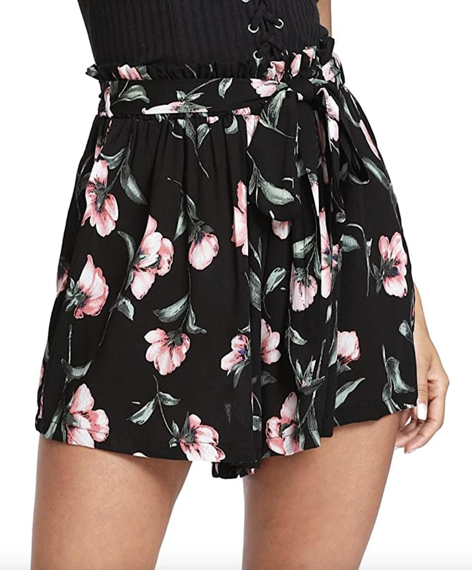 <p>Be sure to pack these cute <span>Floerns Floral Print Beach Shorts</span> ($8 - $21) on your next vacation. </p>