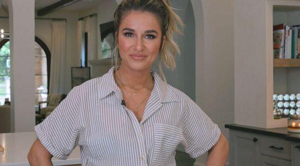 PHOTO: Jessie James Decker speaks to 'Good Morning America' about recipes from her new cookbook 'Just Feed Me.' (ABC News)