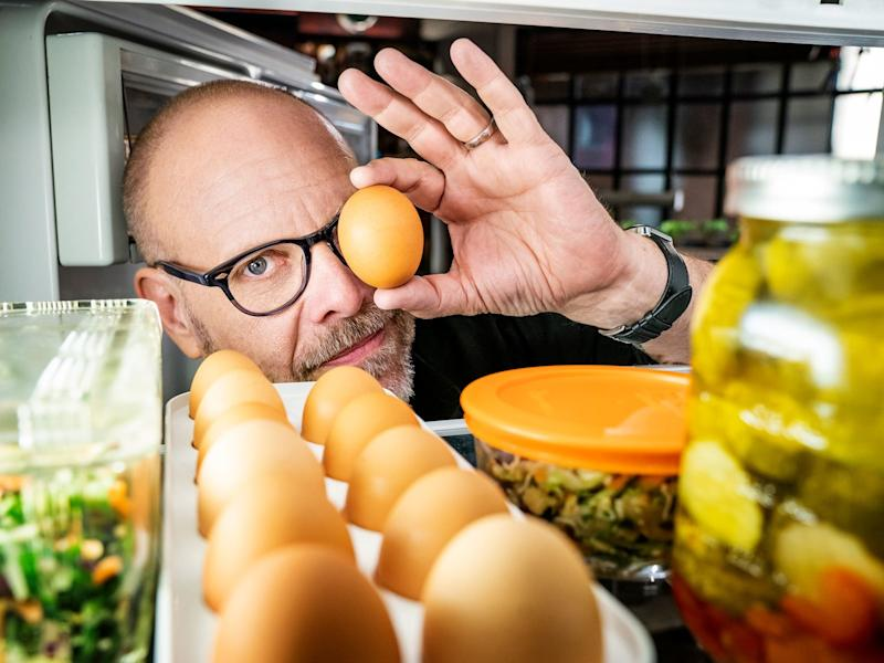 Want Alton Brown to Make More 'Good Eats' Episodes? Tweet About It