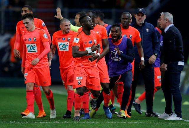 Soccer Football - Coupe de France - Semi-Final - Caen vs Paris St Germain - Stade Michel d'Ornano, Caen, France - April 18, 2018 Caen's Ismael Diomande celebrates scoring their first goal with teammates REUTERS/Stephane Mahe