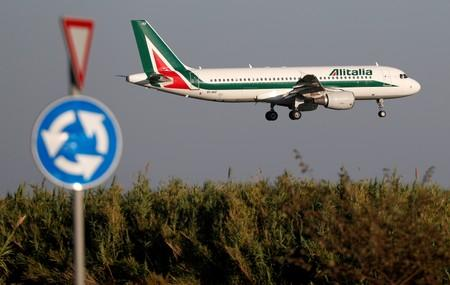 Alitalia gets qualified thumbs-up from Atlantia, state railways