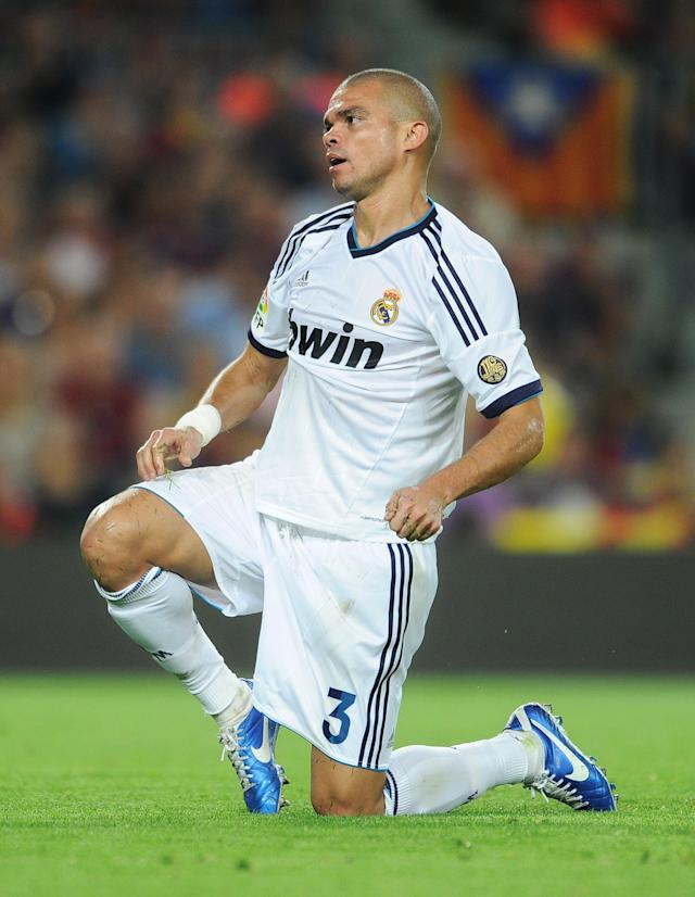 BARCELONA, SPAIN - OCTOBER 07: Pepe of Real Madrid reacts as he fails to score during the la Liga match between FC Barcelona and Real Madrid at the Camp Nou stadium on October 7, 2012 in Barcelona, Spain. (Photo by Jasper Juinen/Getty Images)