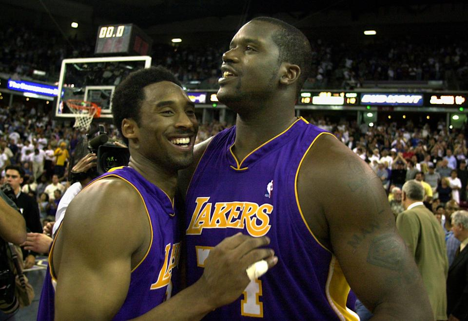 Kobe Bryant(圖左)與Shaquille O'Neal。(Photo by Wally Skalij/Los Angeles Times via Getty Images)
