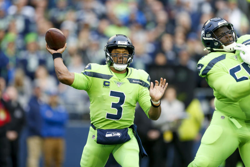 Apparent Russell Wilson Throwaway Turns Into Td Play Of The