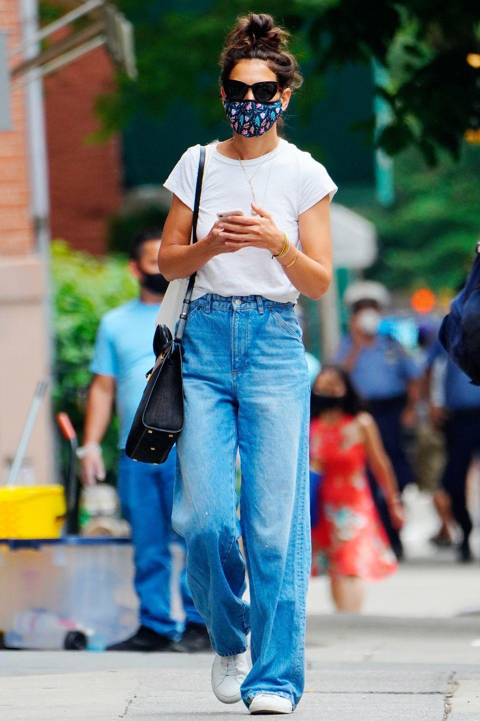 <p><strong>17 July </strong>Katie Holmes made a case for wide-leg jeans out in New York. </p>