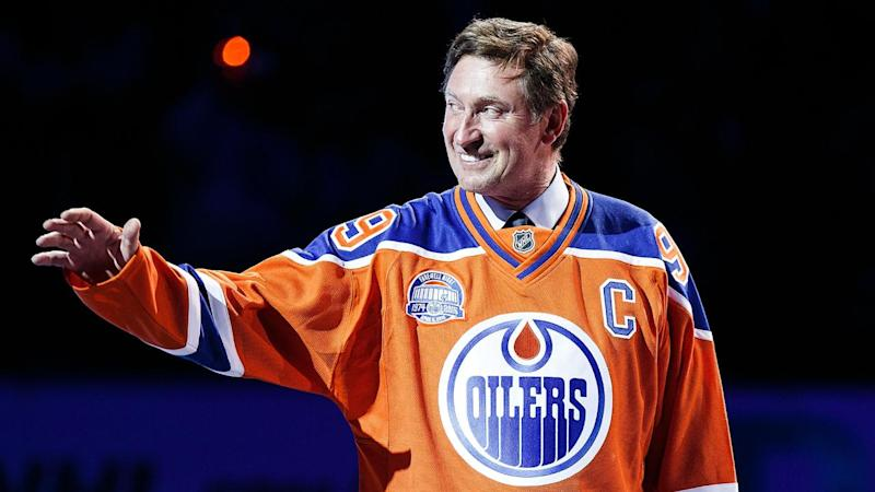 Wayne Gretzky returns to Oilers in executive role