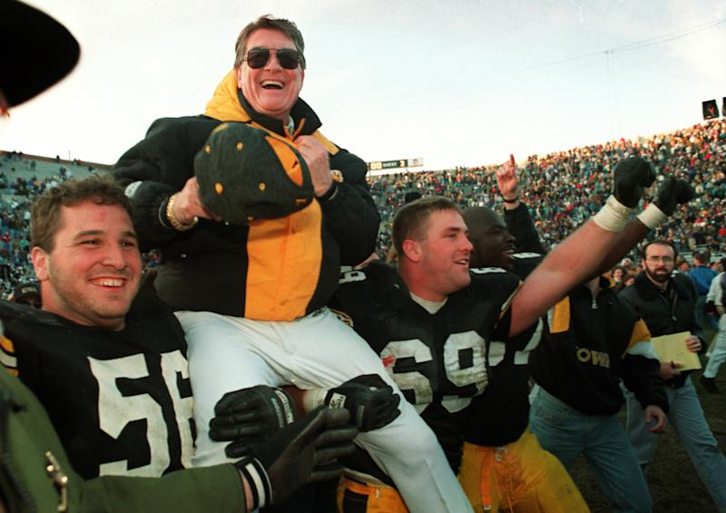 Iowa legend Hayden Fry dies at 90