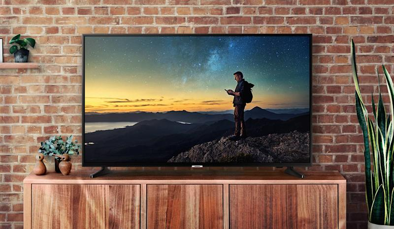 This Samsung TV is on sale for the Super Bowl! (Photo: Amazon)