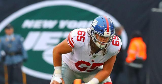How did Nick Gates do in his first start at right tackle for the Giants?