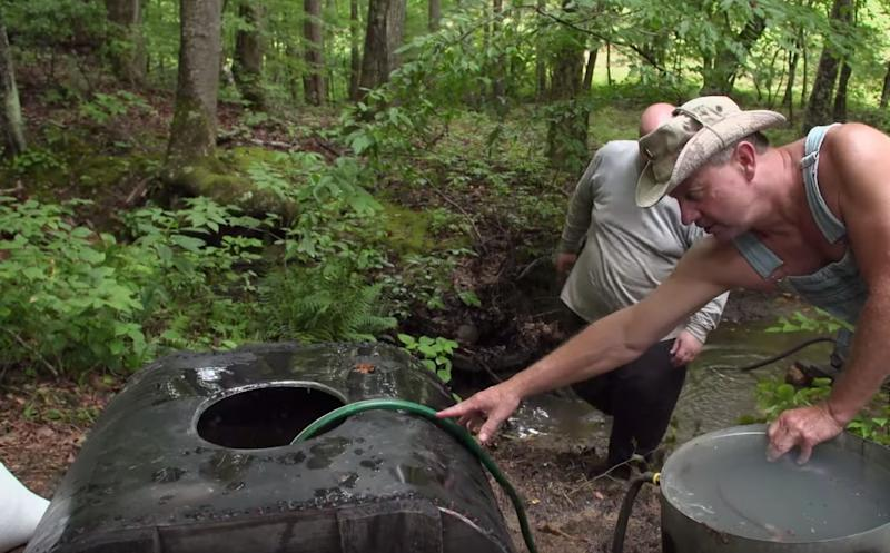 Moonshiners New Season 2020.Moonshiners Stars Head To The Hills To Set Up New Stills In