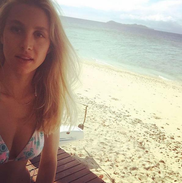 """<p>Whitney Port is no stranger to #nomakeupselfies on Instagram, and even posted a bare-faced, body positive photo sans makeup months ago. The caption shut down haters calling her """"anemic"""" and """"dead"""" when she went makeup free in past posts, and asked followers to embrace their bare skin with the hashtag #OurCleanSkinIsIn. She has since shared 3 selfies from her honeymoon in Fiji upholding her clean skin mantra and looking stunning while doing it, selfie stick and all. <i>(Photo: Instagram)</i></p>"""