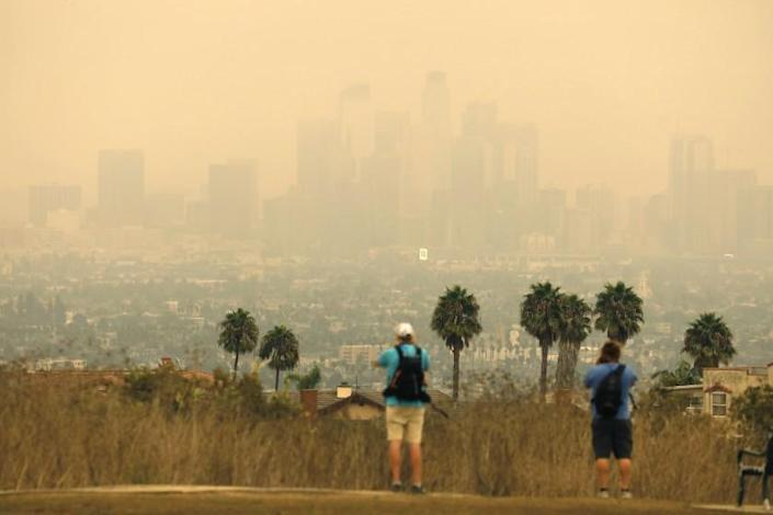 """Air quality in Los Angeles has deteriorated due to smoke and ash from the fires burning across the state. <span class=""""copyright"""">(Carolyn Cole / Los Angeles Times)</span>"""