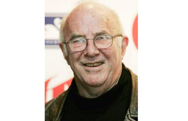 Clive James, Former ITV Host and TV Critic, Dies at 80